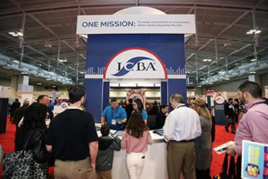 ICBA LIVE attendees at booth